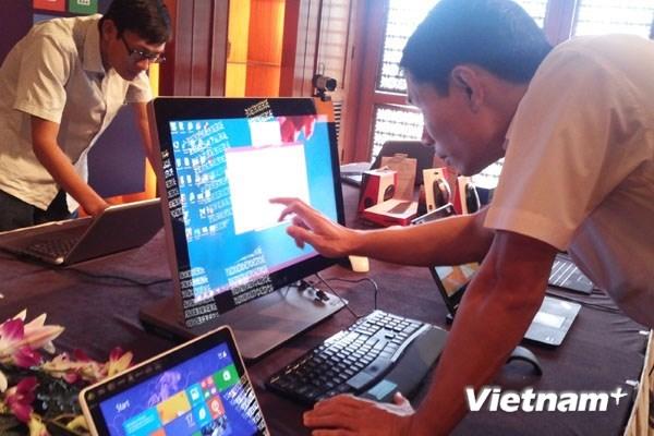 Đã hàn xong cáp AAG, Internet Việt Nam đi quốc tế thông suốt