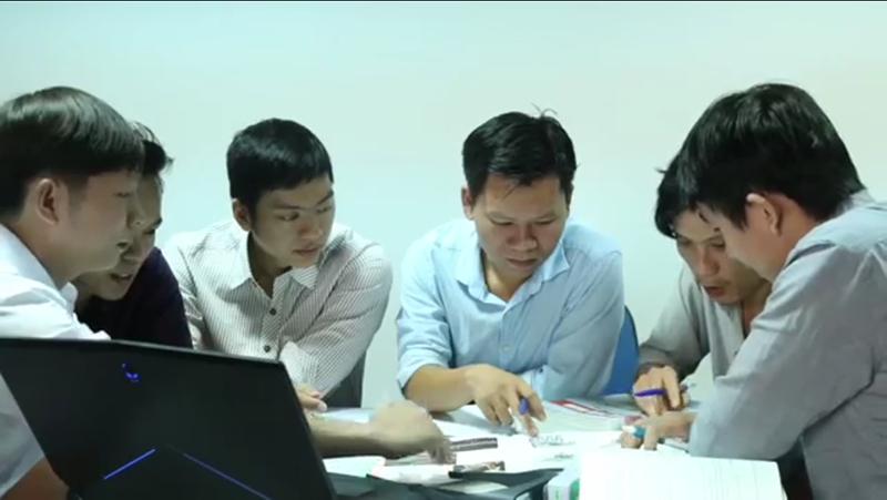 Nhóm phát triển đề tài của Đại học Duy Tân.