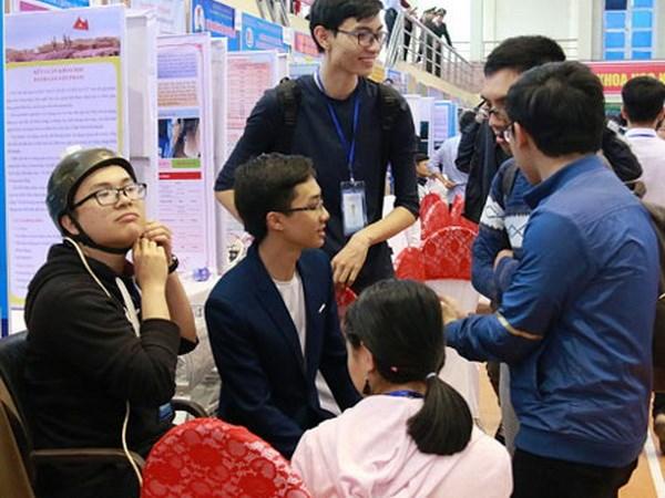 hử nghiệm trên 'Xe lăn điều khiển bằng nhận dạng cử chỉ của đầu' tại cuộc thi khoa học kỹ thuật Quốc gia 2017. (Nguồn: baobacninh.com.vn)