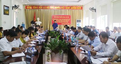 Đồng chí La Văn Hồng - Phó chủ tịch UBND huyện Trùng Khánh phát biểu tại Hội nghị.